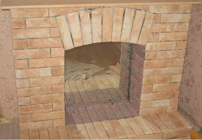Портал для камина с декоративным камнем